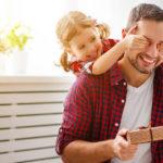 Dia dos pais: o que comprar de presente para seu pai