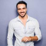 Caimento perfeito: escolha o tecido de camisa certo para você