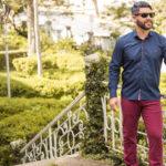 Do trabalho ao dia a dia: por que investir em calça Chino?